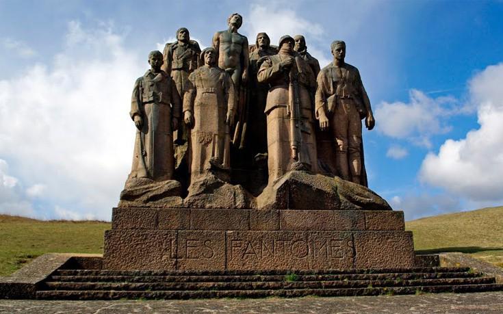 Το μνημείο των πεσόντων και η ξεχωριστή ιστορία του
