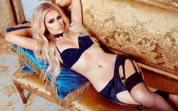 Η Paris Hilton με εσώρουχα και ζαρτιέρες d6e6afe1746