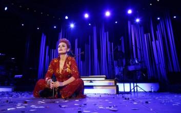 «Love tour» και νέο λουκ για την Ελεονώρα Ζουγανέλη