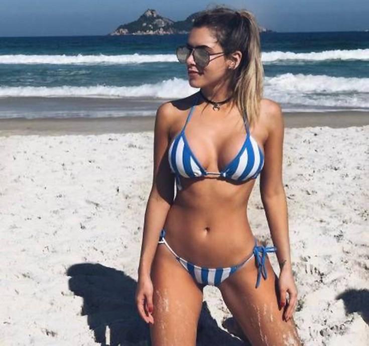 girls_bikinis15