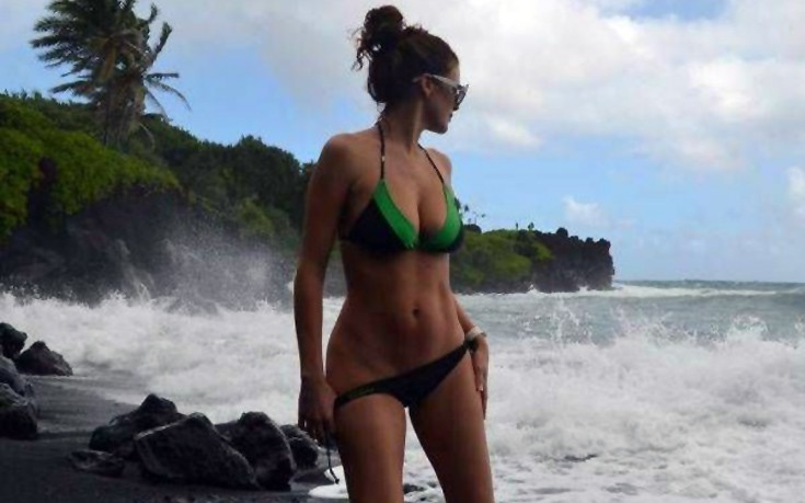 girls_bikinis9