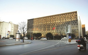 Ο Ερντογάν ξηλώνει πολιτιστικό κέντρο-σύμβολο του Κεμάλ Ατατούρκ στην πλατεία Ταξίμ