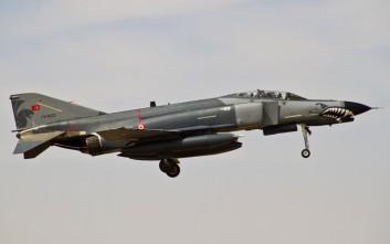 Η Τουρκία μετακινεί αεροπλάνα προς το Ιράκ αλλά συνεχίζει την πίεση στο Αιγαίο