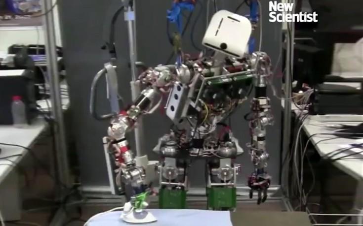 Το ρομπότ που σιδερώνει είναι χαρά της νοικοκυράς