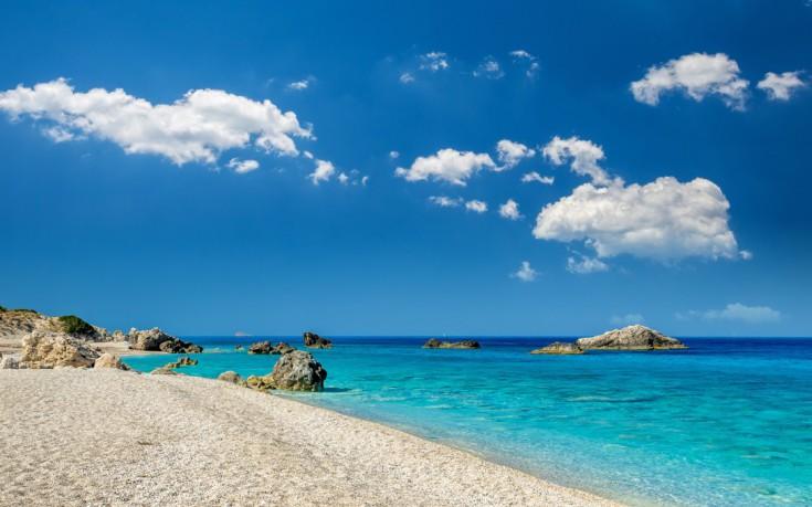 Κάθισμα, η μαγευτική παραλία της Λευκάδας