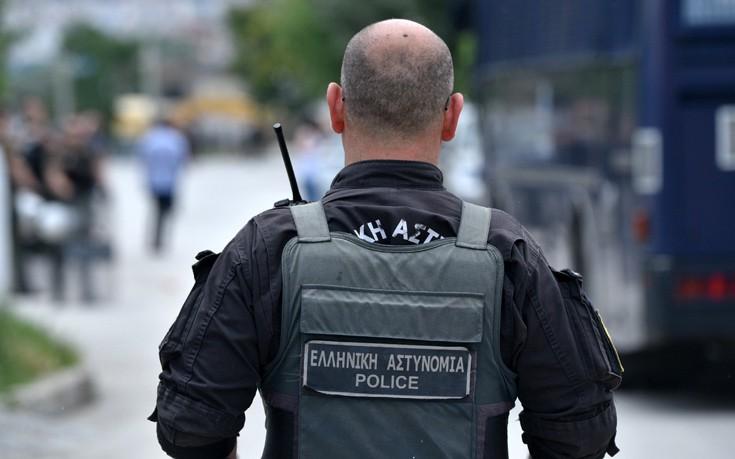 Αστυνομικό τμήμα με δύναμη τεσσάρων ανδρών στον Πειραιά