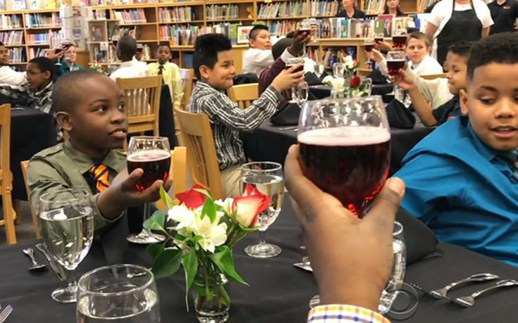 Σχολή για... μικρούς κύριους σε δημοτικό σχολείο στις ΗΠΑ