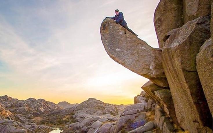Βάνδαλοι κατέστρεψαν τον πιο φαλλικό βράχο της Νορβηγίας