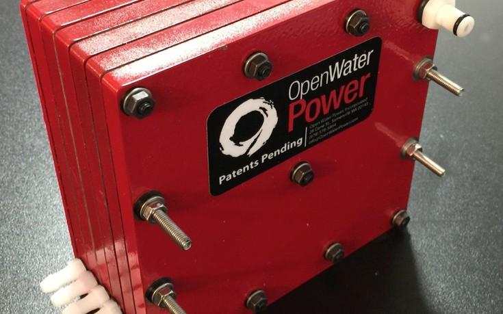 Πρωτοποριακή μπαταρία «πίνει» θαλασσινό νερό και έχει διάρκεια δέκα φορές μεγαλύτερη