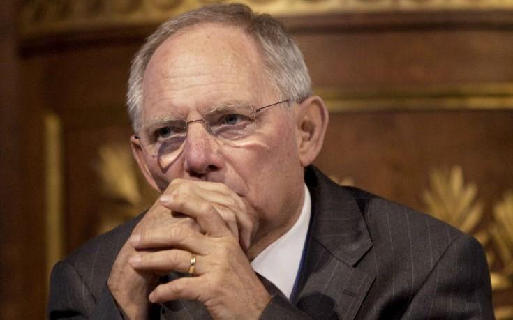 Σόιμπλε: Ελάφρυνση χρέους, όπως την επιθυμεί το ΔΝΤ, δεν είναι δυνατή για την ώρα
