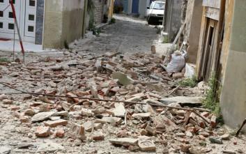 Φωτογραφίες από τις ζημιές που προκάλεσε ο σεισμός στο Πλωμάρι