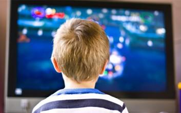 Τα παιδιά των φτωχών οικογενειών βλέπουν περισσότερο τηλεόραση