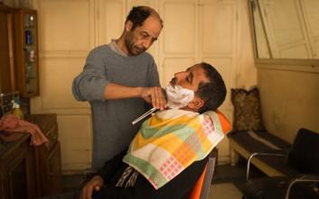 Πώς ξυρίζεται ο άντρας σαν σωστός… Ανατολίτης