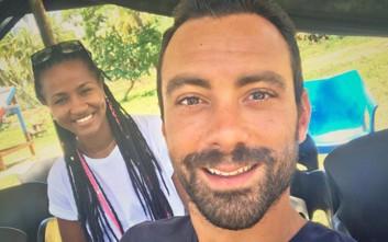 Ο Σάκης Τανιμανίδης μάς συστήνει την κολλητή του στην Καραϊβική