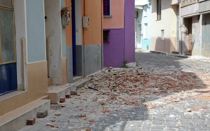 Σε λυόμενο τα μαθήματα στη σεισμόπληκτη Βρίσα