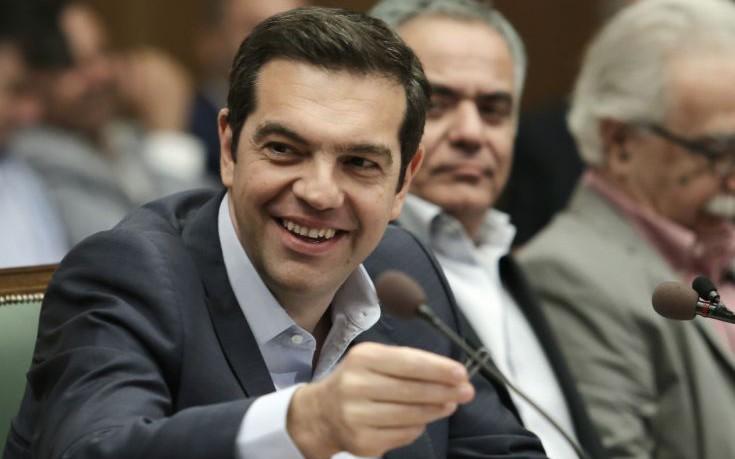 Τσίπρας: Να ξεκολλήσουν από τα συρτάρια υπουργών φάκελοι για επενδύσεις