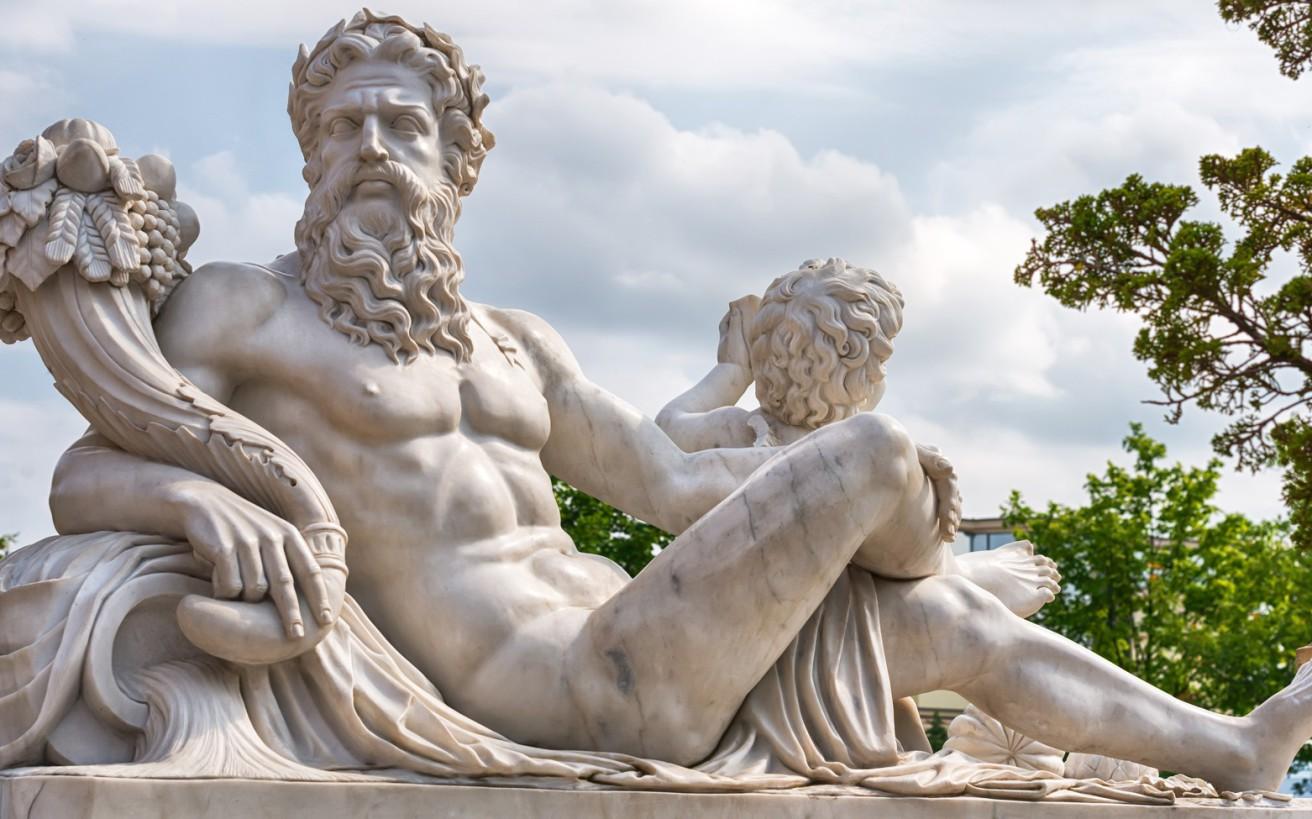 Ο καθηγητής που παρατήρησε κάτι στα ελληνικά αγάλματα που δεν είχε δει κανείς εδώ και 2.500 χρόνια