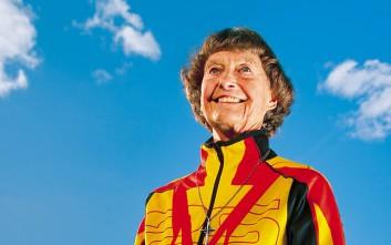 Η 87χρονη καλόγρια που ενέπνευσε τη Nike
