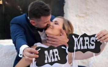 Οι μικρές μαθήτριες έκλεψαν τη παράσταση στο γάμο των δασκάλων τους στην Ηλεία