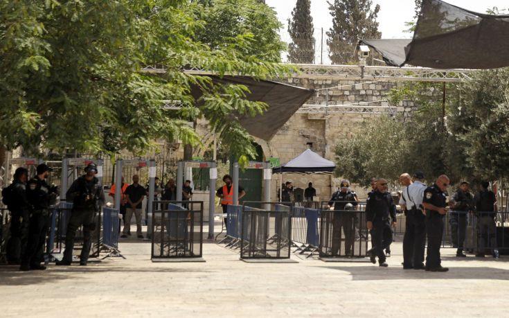 «Μαλακώνει» τη θέση του το Ισραήλ για τους ανιχνευτές μετάλλων στην Ιερουσαλήμ