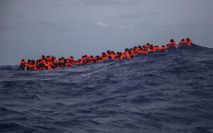 Δεκάδες νεκροί και αγνοούμενοι από ναυάγιο με μετανάστες στη Σικελία
