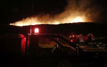 Τιτάνια μάχη της πυροσβεστικής σε έξι μέτωπα στη Ζάκυνθο