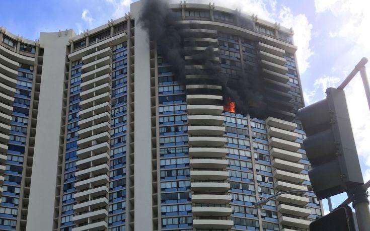 Αποτέλεσμα εικόνας για Πυρκαγιά σε πολυκατοικία 36 ορόφων στη Χονολουλού