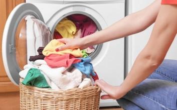 Τρία λάθη που κάνουμε στο πλύσιμο των ρούχων