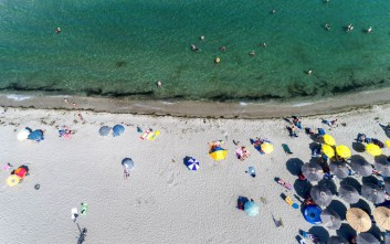Έρχονται αλλαγές στον νόμο για τον αιγιαλό και την παραλία