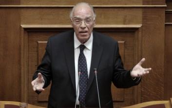 Έσπασε το πρωτόκολλο για το Κυπριακό στη Βουλή ο Βασίλης Λεβέντης