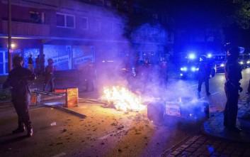 Η γερμανική κυβέρνηση στηρίζει τον δήμαρχο του Αμβούργου