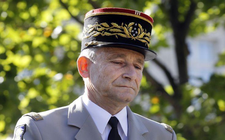 «Δεν θα επιτρέψω να με γ...» είπε ο αρχηγός των Ενόπλων Δυνάμεων της Γαλλίας και παραιτήθηκε