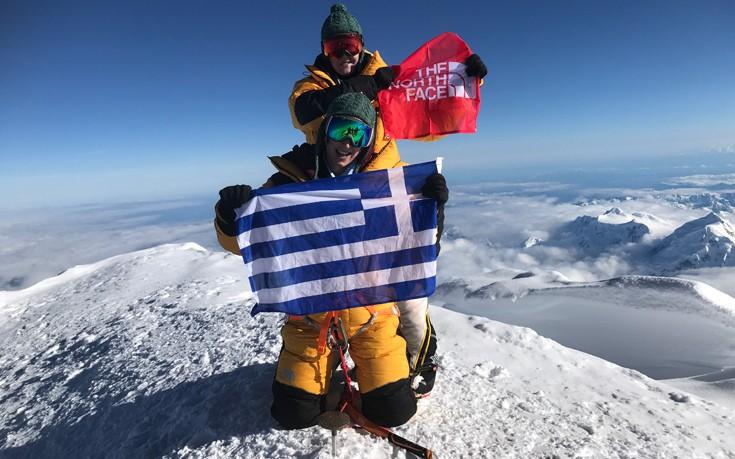 Οι πρώτες Ελληνίδες που πάτησαν την υψηλότερη κορυφή στην Αλάσκα