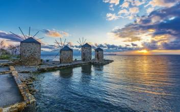 Ανεμόμυλοι, νοσταλγική πινελιά στα ελληνικά νησιά