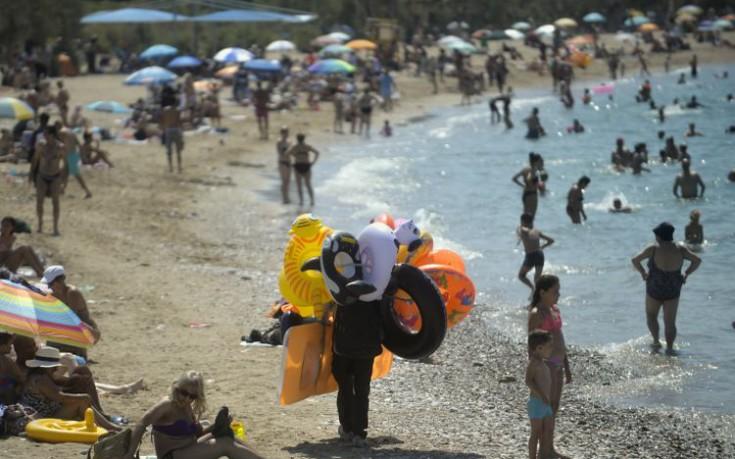 Πού δεν μπορούμε να κολυμπήσουμε στις ακτές της Αττικής
