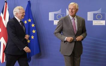 Μπαρνιέ: Ζωτικής σημασίας μια συμφωνία για το λογαριασμό του Brexit