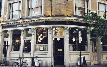 Εστιατόριο στο Λονδίνο προσφέρει μαζί με το γεύμα εξοπλισμό για φωτογραφίες