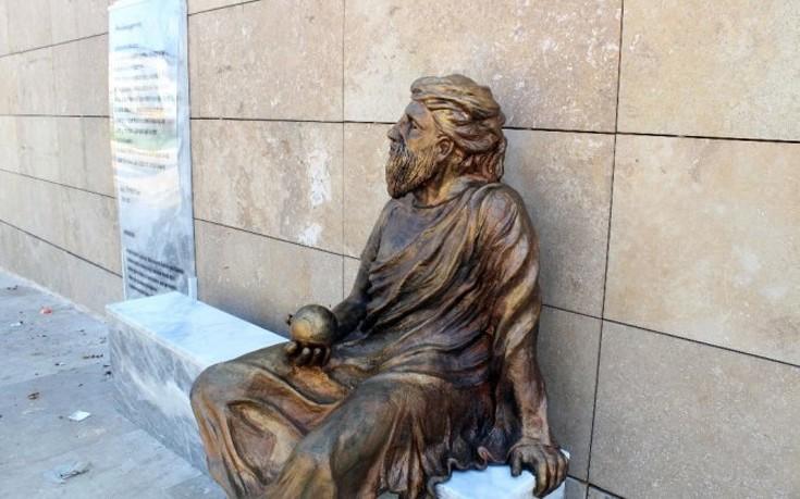 Αντιπαράθεση για το νέο άγαλμα του Αναξαγόρα στα Ούρλα της Τουρκίας