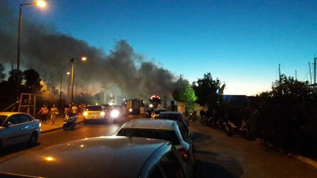 Κάηκε σκάφος στο Παλαιό Φάληρο