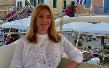 Έκλεψε τις εντυπώσεις η Τατιάνα Στεφανίδου με το τζιν σορτσάκι της