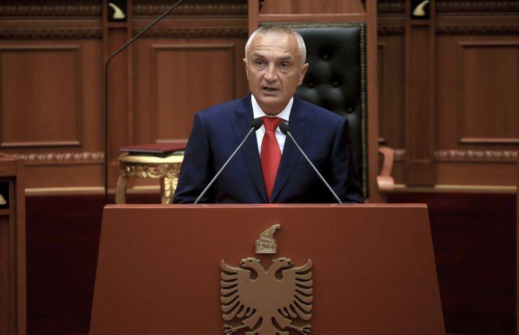 Ο πρόεδρος της Αλβανίας φοβάται για αποσταθεροποίηση της χώρας