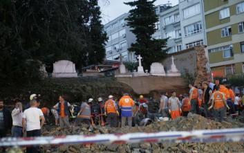 Δρόμοι πλημμύρισαν, δέντρα ξεριζώθηκαν στην Κωνσταντινούπολη