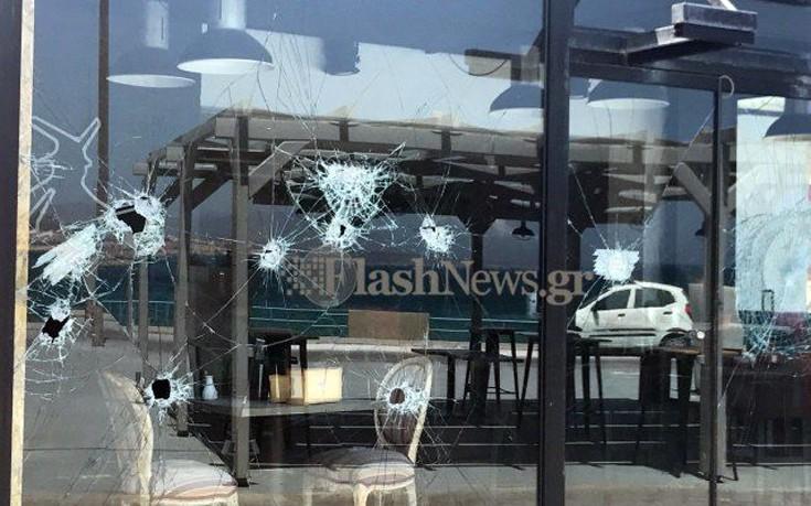 Διέλυσαν τζαμαρία σε καφετέρια στα Χανιά