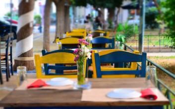 Στέκια για καλό φαγητό σε πλατείες της Αθήνας