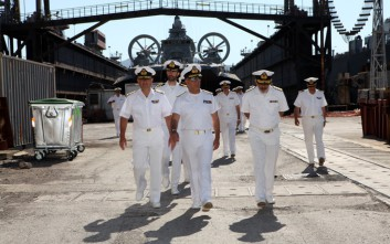 Ο Αρχηγός του Γενικού Επιτελείου Ναυτικού στον ναύσταθμο Σαλαμίνας