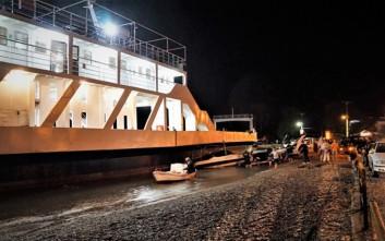 Ανεξέλεγκτο φέρι μπόουτ παρέσυρε 15 σκάφη στο Ρίο