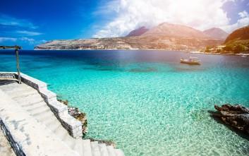 Δεκατρείς καταπληκτικές παραλίες της Πελοποννήσου
