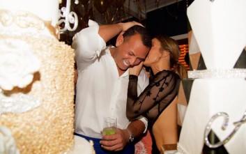 Αυτό το φόρεμα μόνο η Jennifer Lopez θα μπορούσε να το αναδείξει