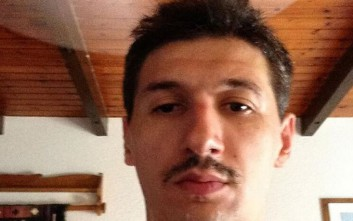 O Διαμαντίδης άφησε μουστάκι και προκαλεί τον Μπουρούση