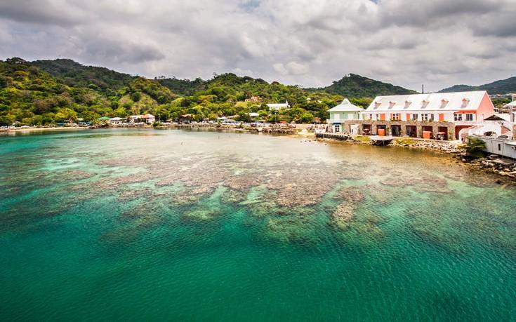 Ροατάν, το τροπικό νησί που αποτελούσε καταφύγιο των πειρατών